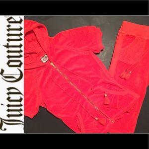 Juicy Couture Terry S/S Capri Jog Set.